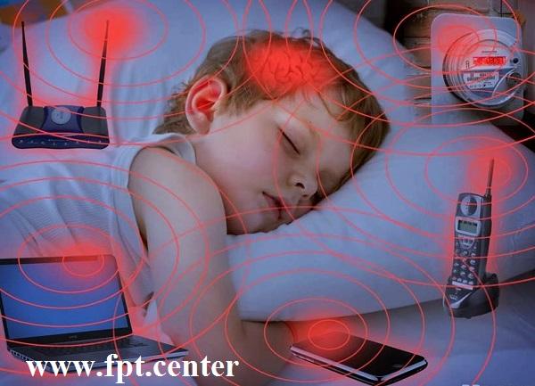 Sóng WiFi có ảnh hưởng đến sức khỏe của Trẻ nhỏ hay không ?
