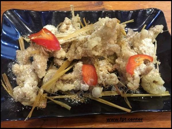 Cách làm món chân gà rút xương rang muối thơm ngon đậm đà