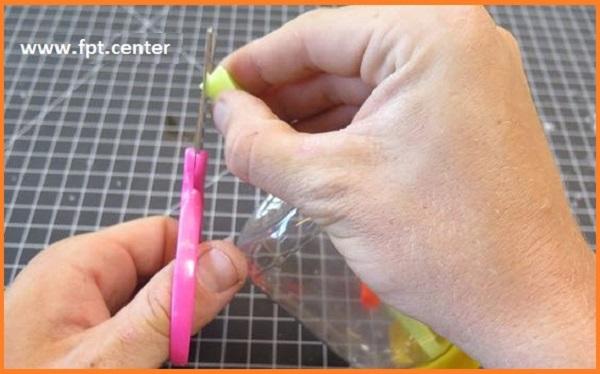 Cách chế tạo cây sáo thổi bằng ống hút và chai nhựa